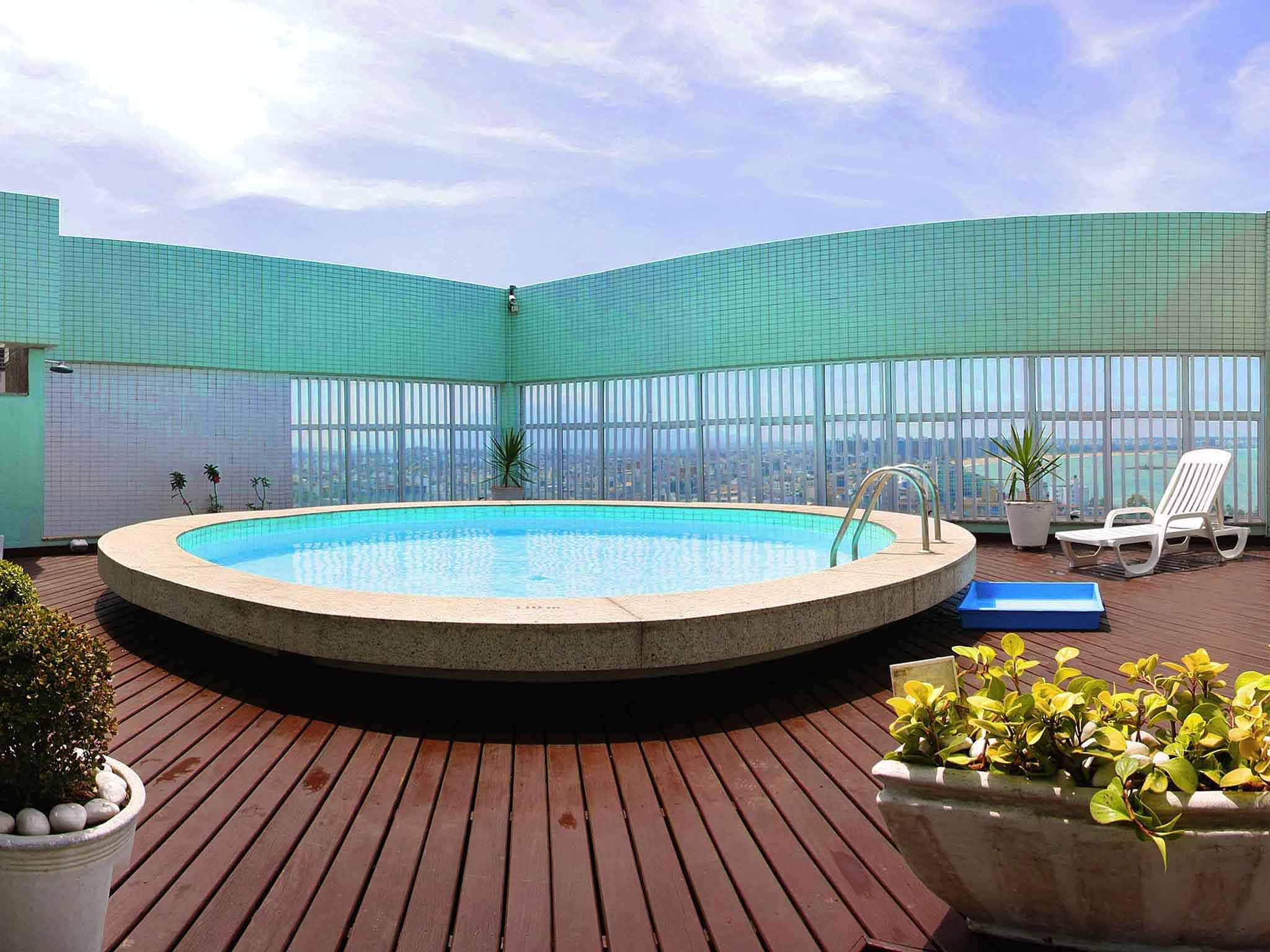 Отель — Mercure Vitoria Hotel