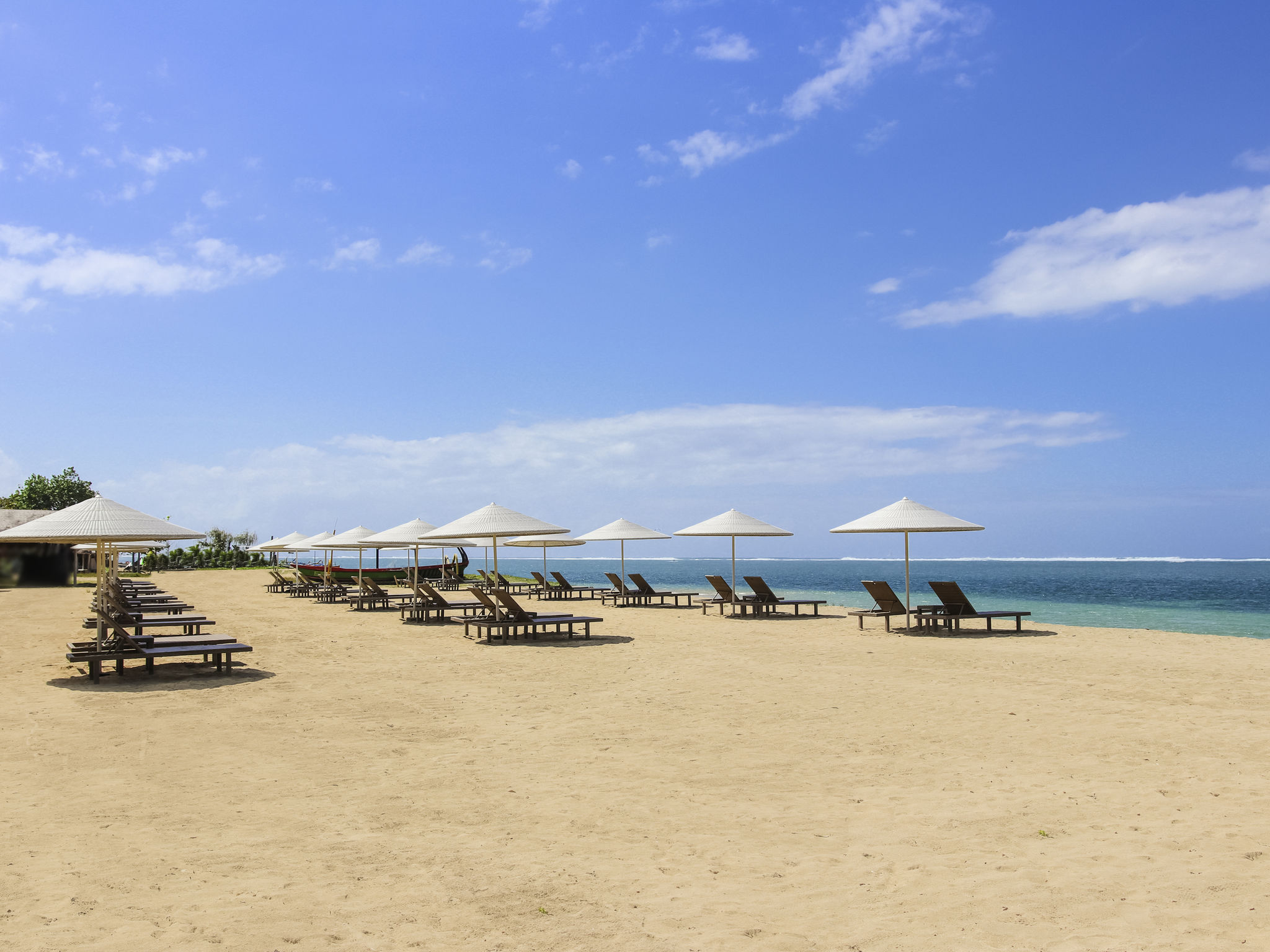 Отель — Mercure Resort Sanur