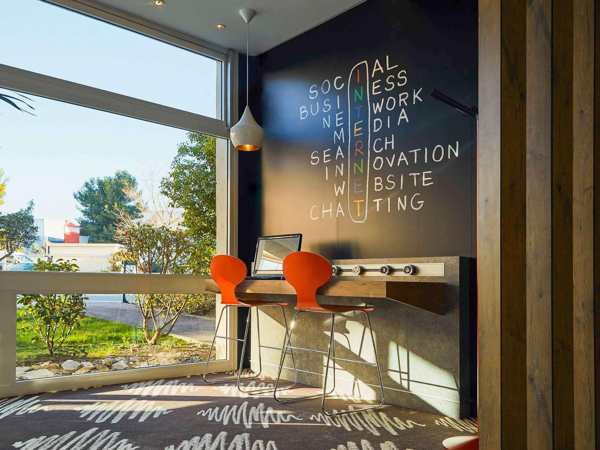 Hotel in LA CIOTAT ibis La Ciotat