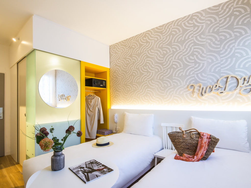 Hotel in SAINT LAURENT DU VAR - MERCURE NICE CAP 3000 HOTEL ...