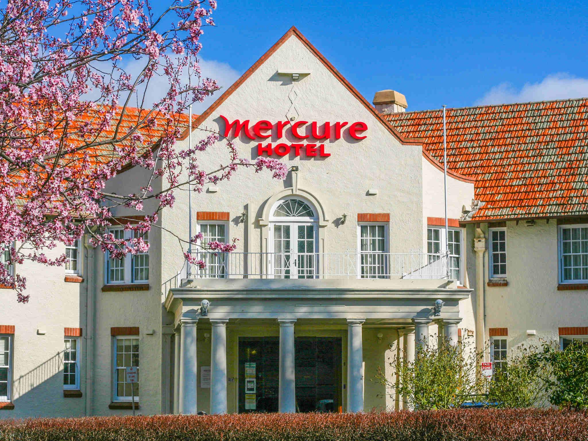 โรงแรม – Mercure Canberra