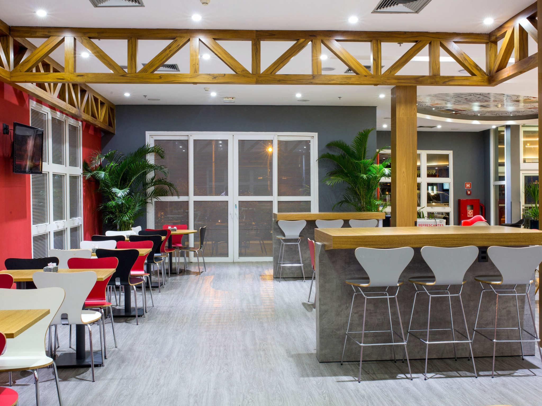 Caf da manh ibis Aracatuba
