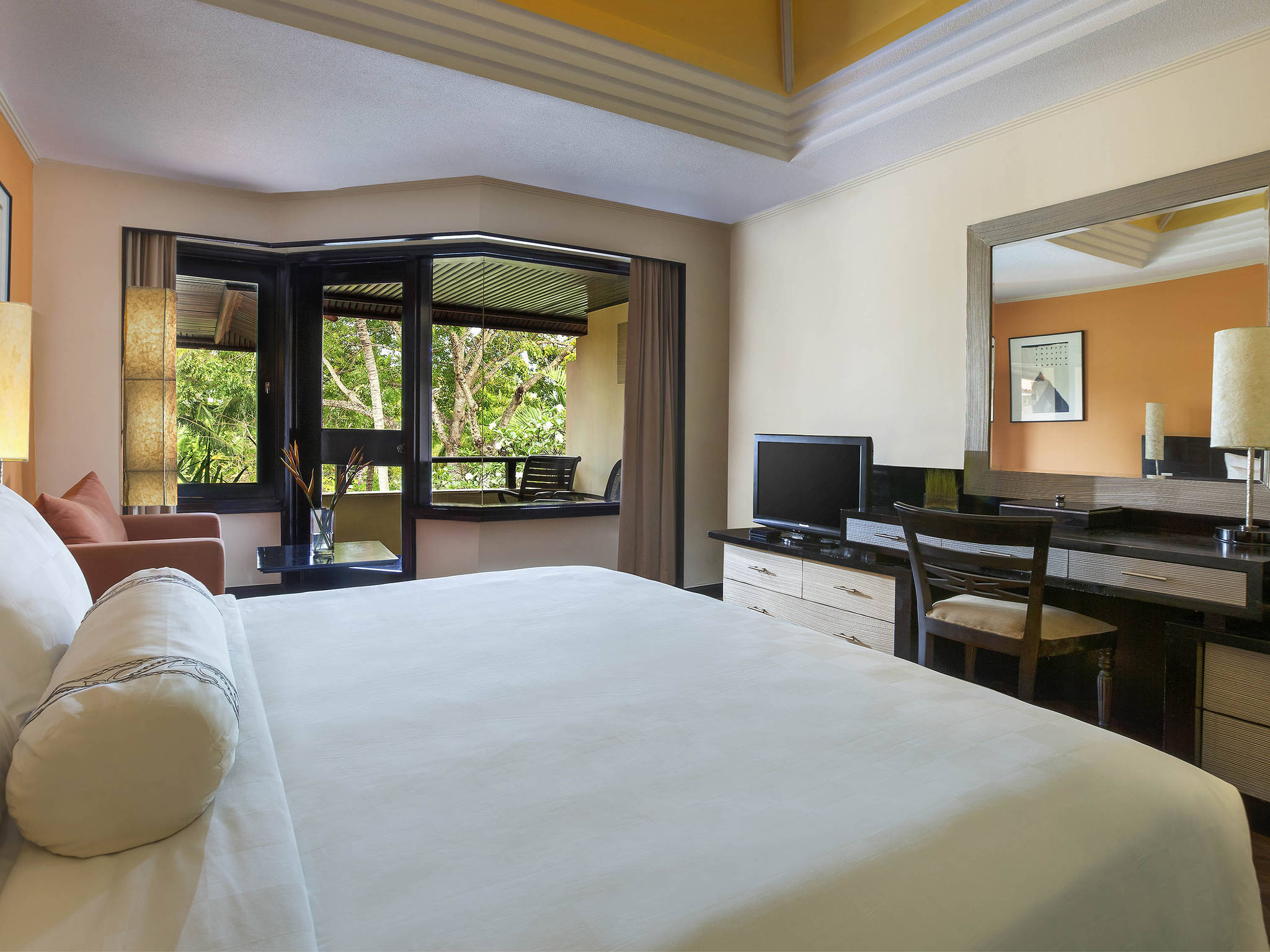 ... Rooms   The Royal Beach Seminyak Bali   MGallery By Sofitel ...