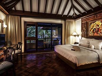 buchen sie ein luxus hotelzimmer in seminyak the royal. Black Bedroom Furniture Sets. Home Design Ideas