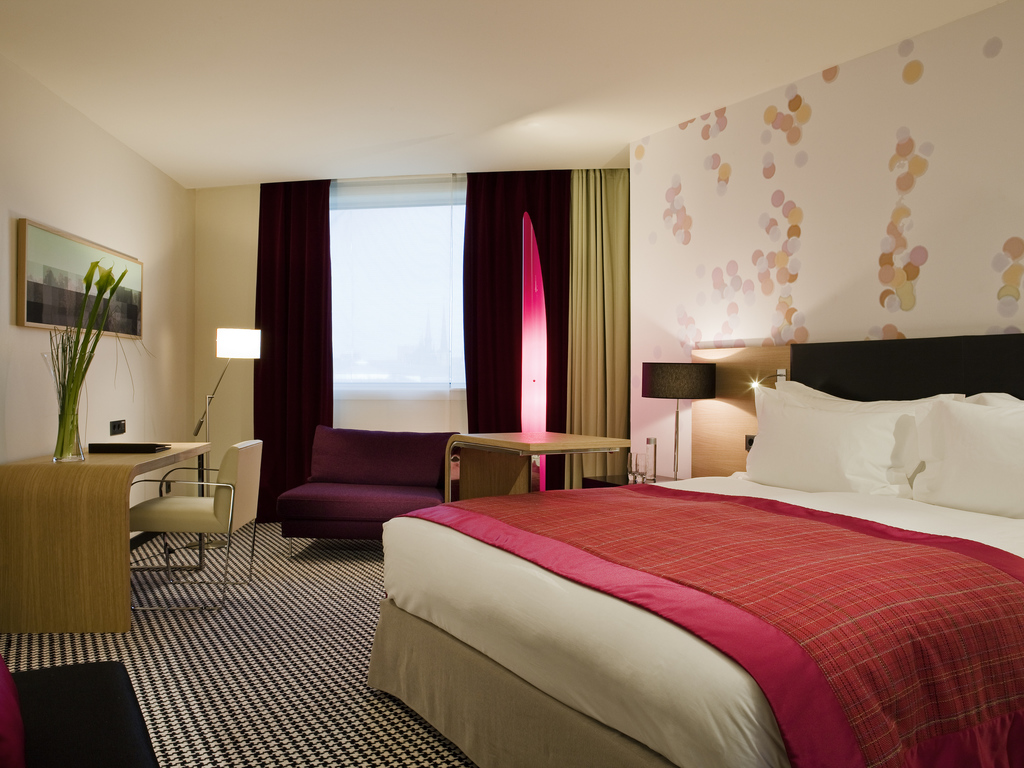 Junior Suite   1 King Size Bed, Complimentary Soft Drinks Minibar