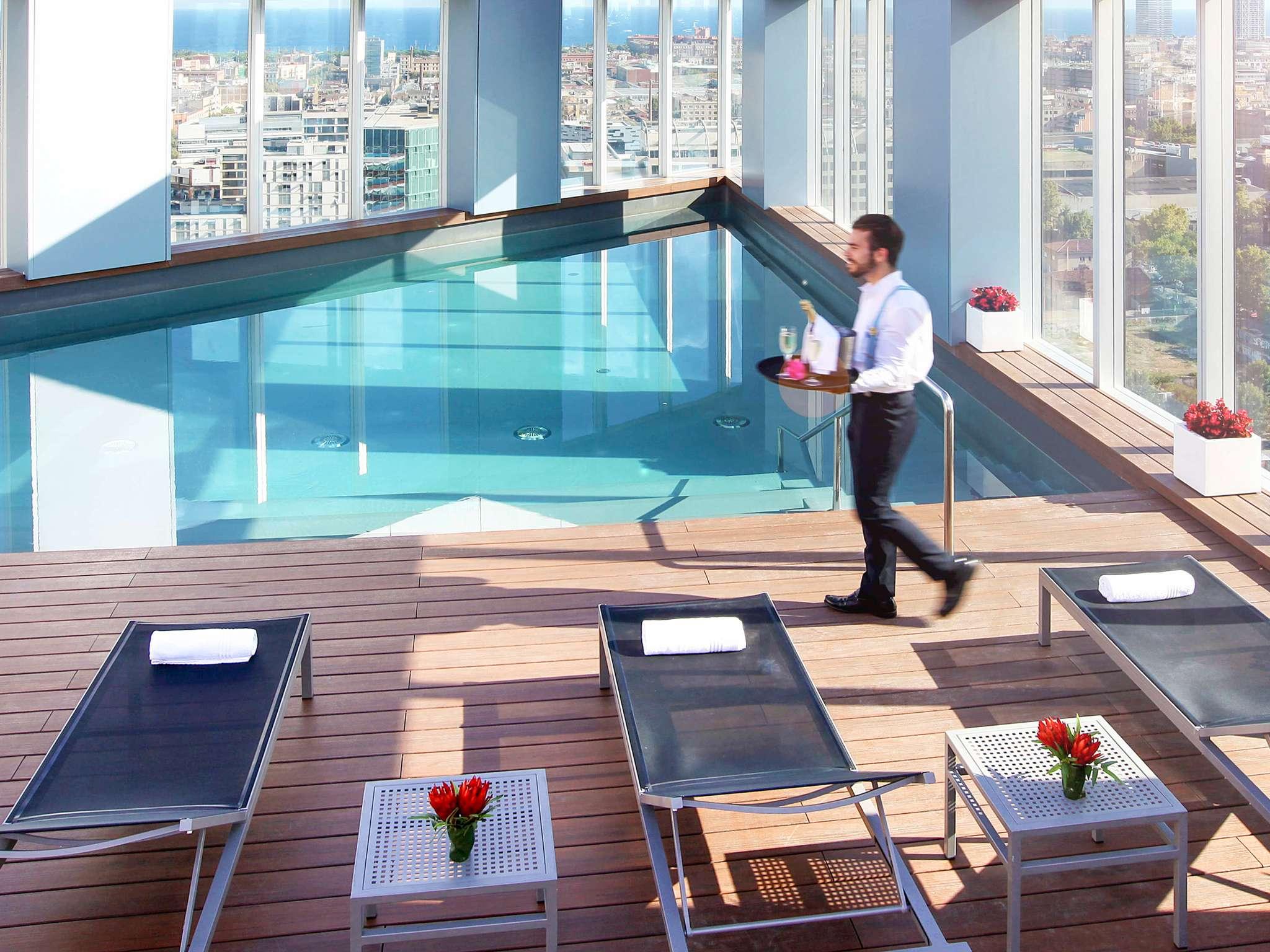 Отель — Novotel Барселона Сити