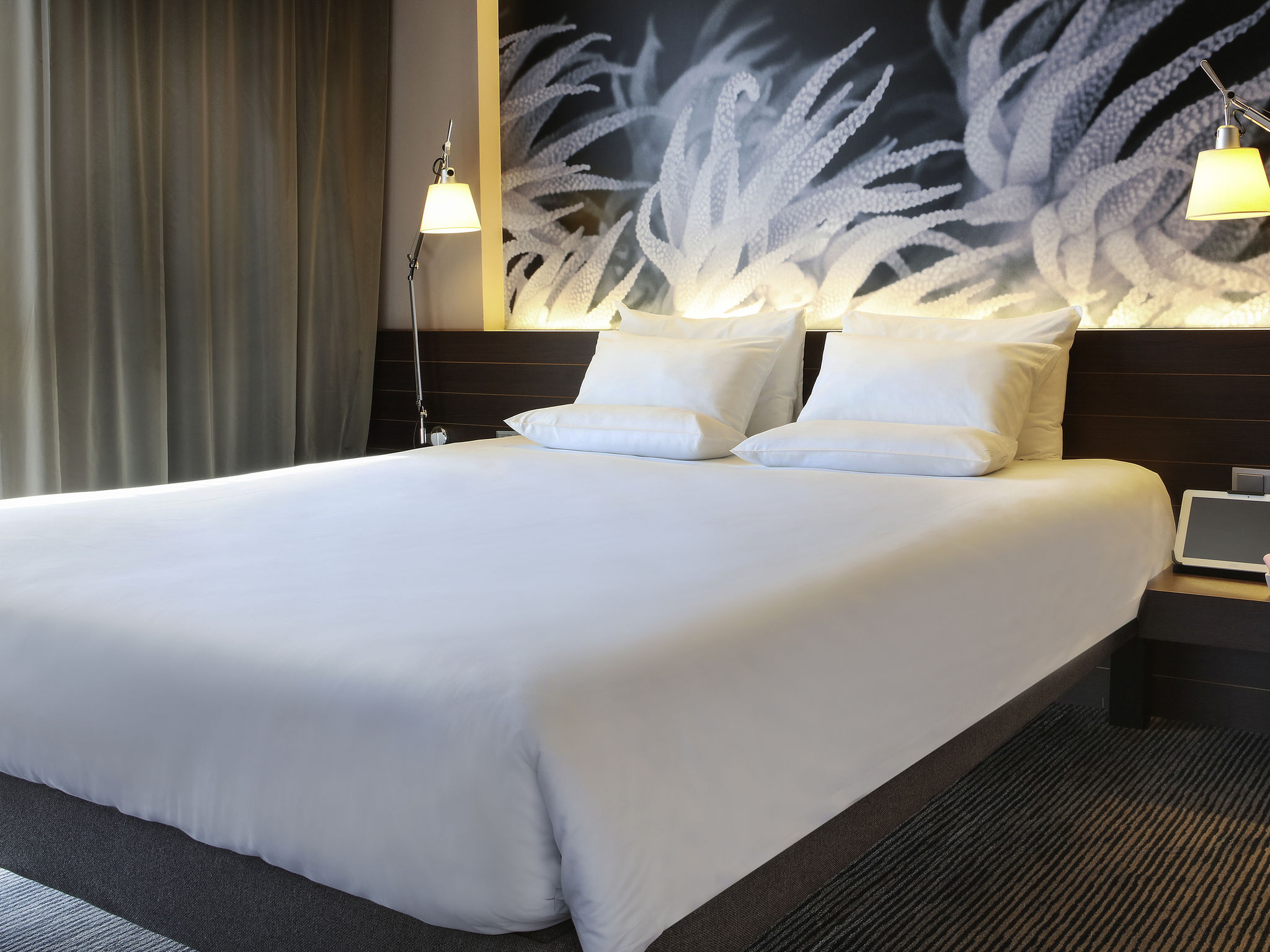 Hotel in barcelona book at this select novotel in barcelona for Hotel in barcellona