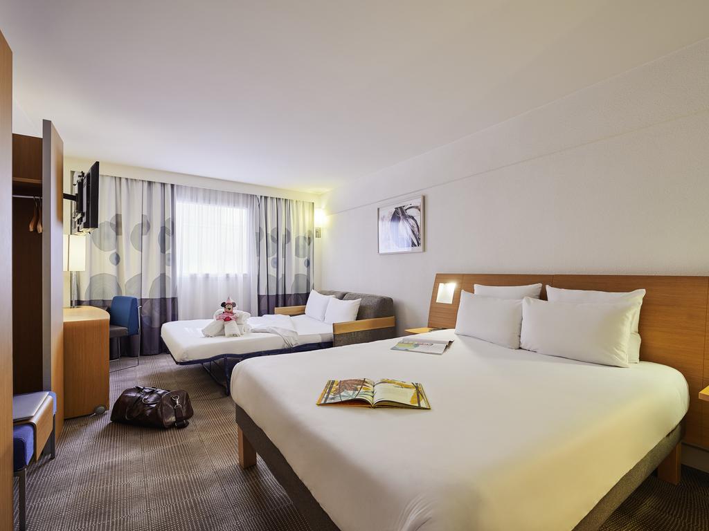 Hotel a le kremlin bicetre novotel parigi 13 porte d 39 italie for Metro porte d italie