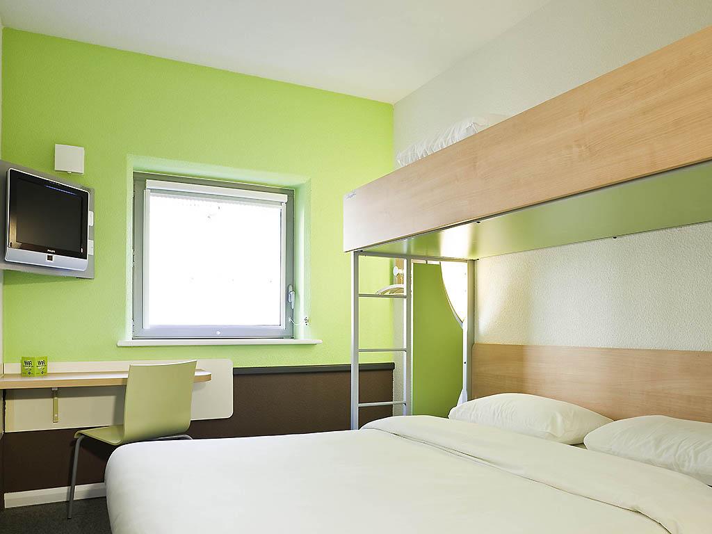 cheap hotel le mans ibis budget le mans centre. Black Bedroom Furniture Sets. Home Design Ideas