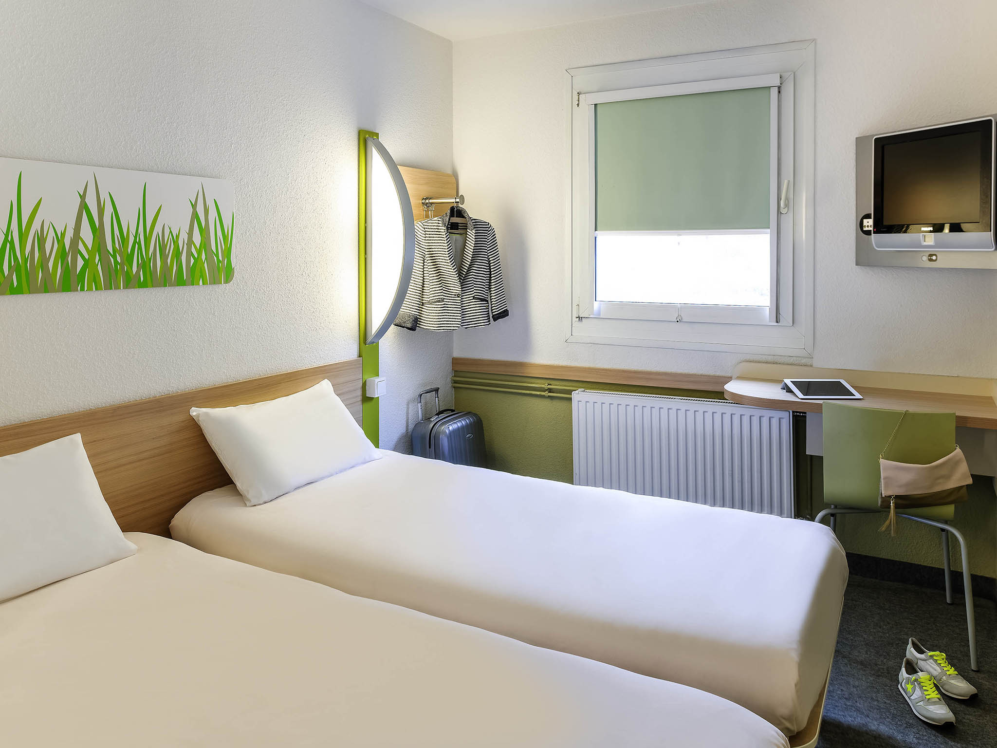 Chambres ibis budget le mans centre with ibis budget for Ibis budget douche dans la chambre