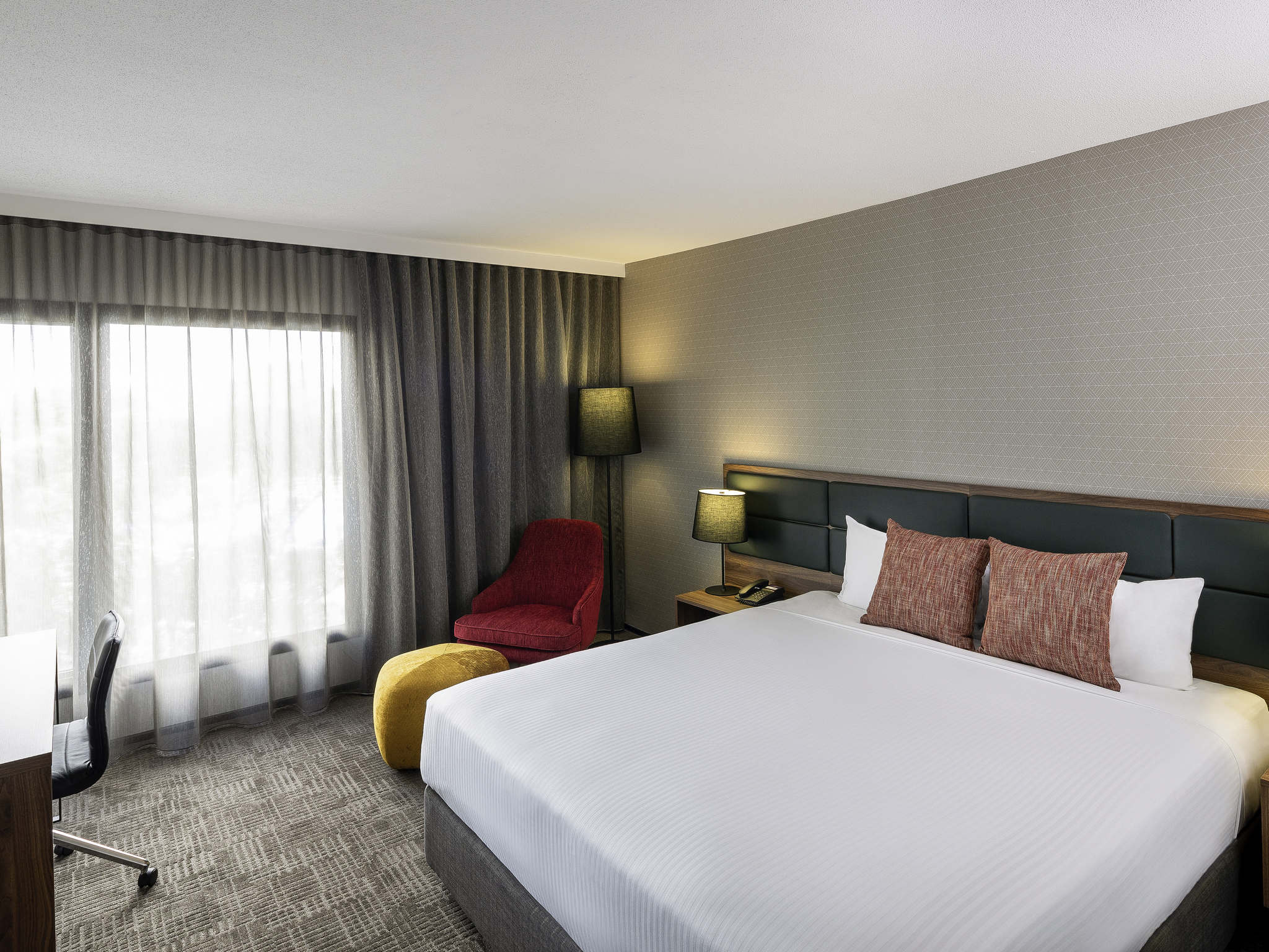 Hotel In Wolli Creek Mercure Sydney International Airport
