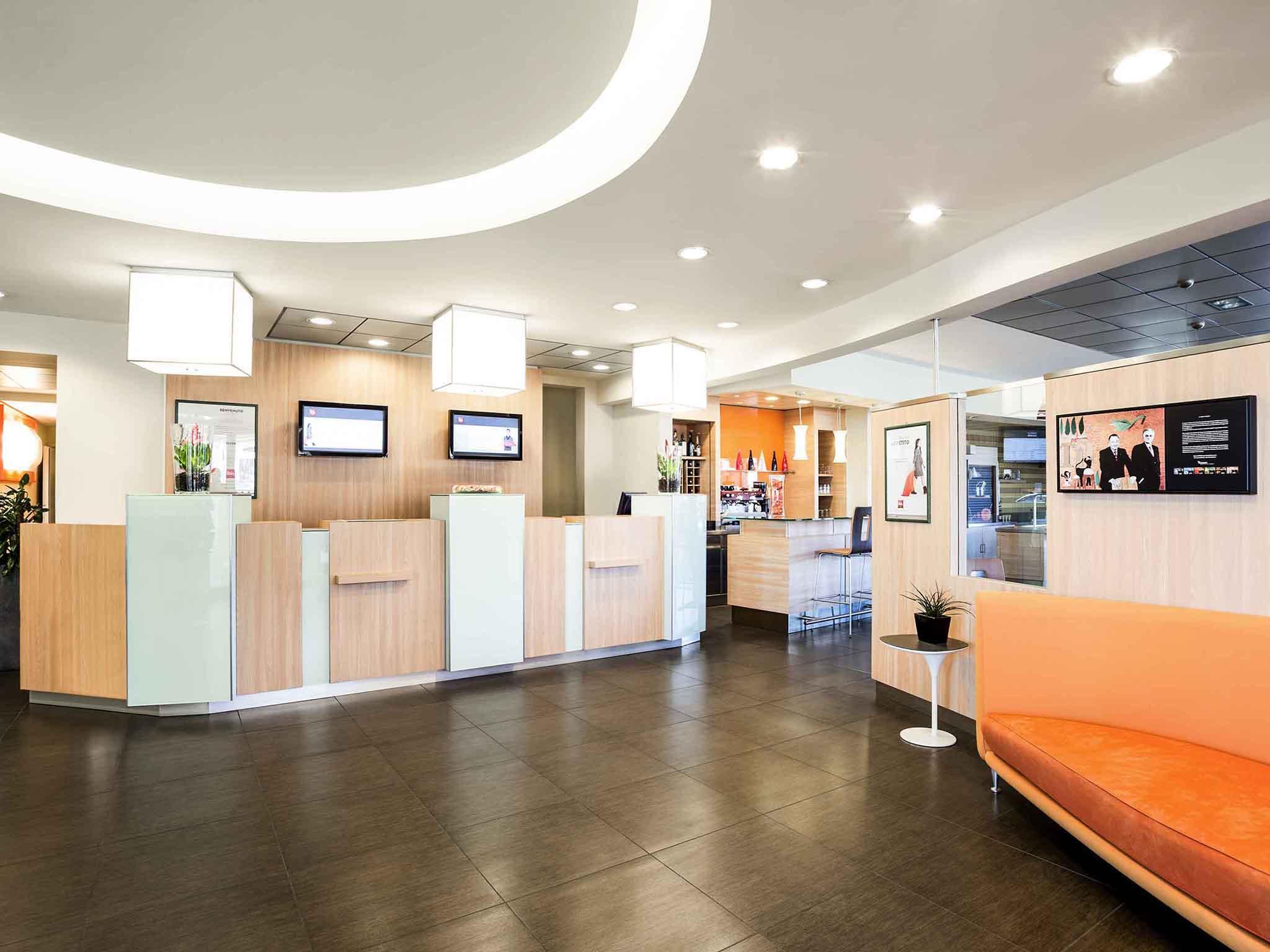 hotel a como ibis como accorhotelscom