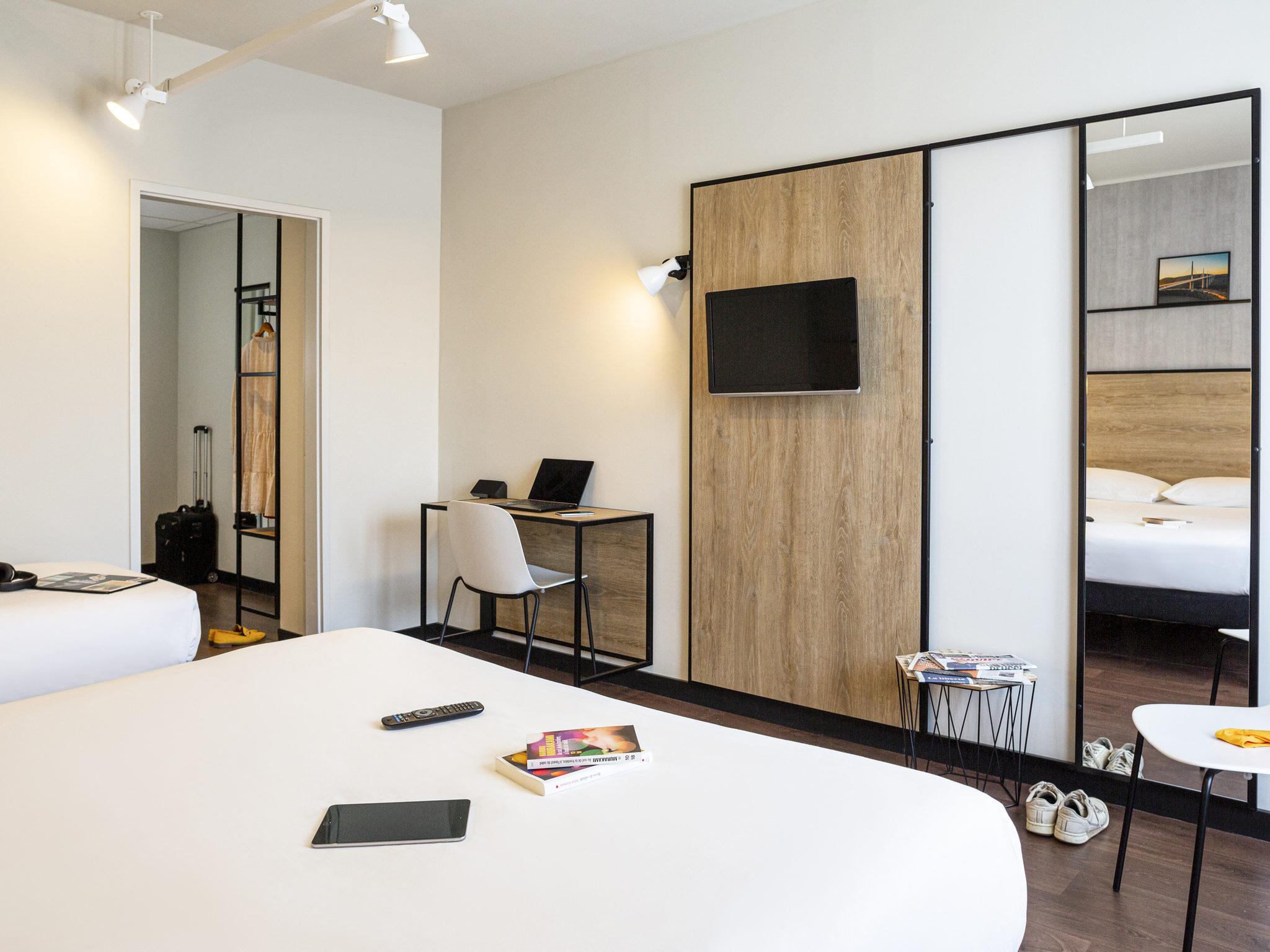 h tel millau ibis millau. Black Bedroom Furniture Sets. Home Design Ideas