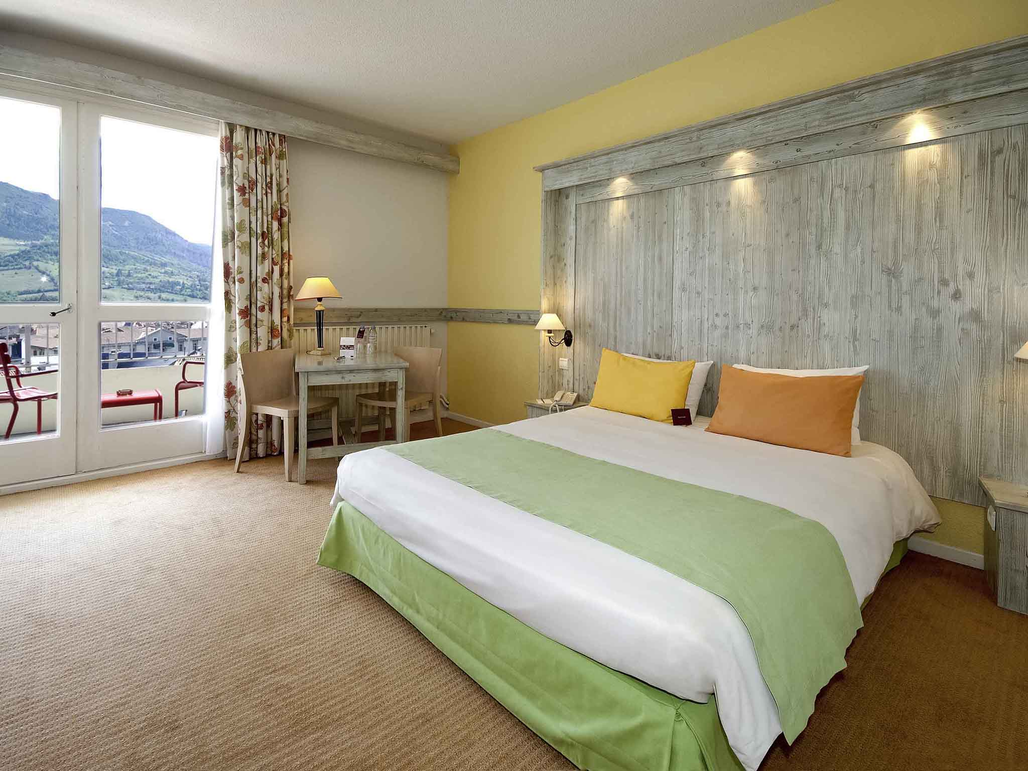 Hotell – Hôtel Mercure Millau