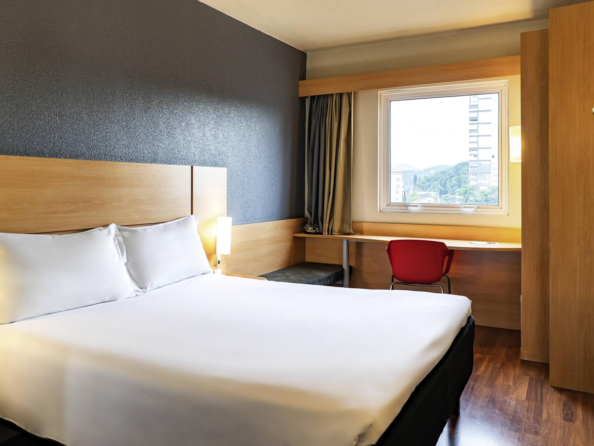 호텔 – ibis Joinville