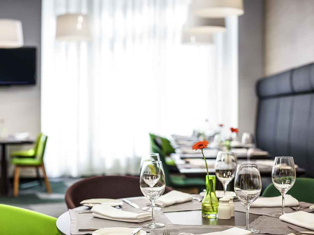 Gourmetbar By Novotel Saint Petersburg Restaurants By Accor
