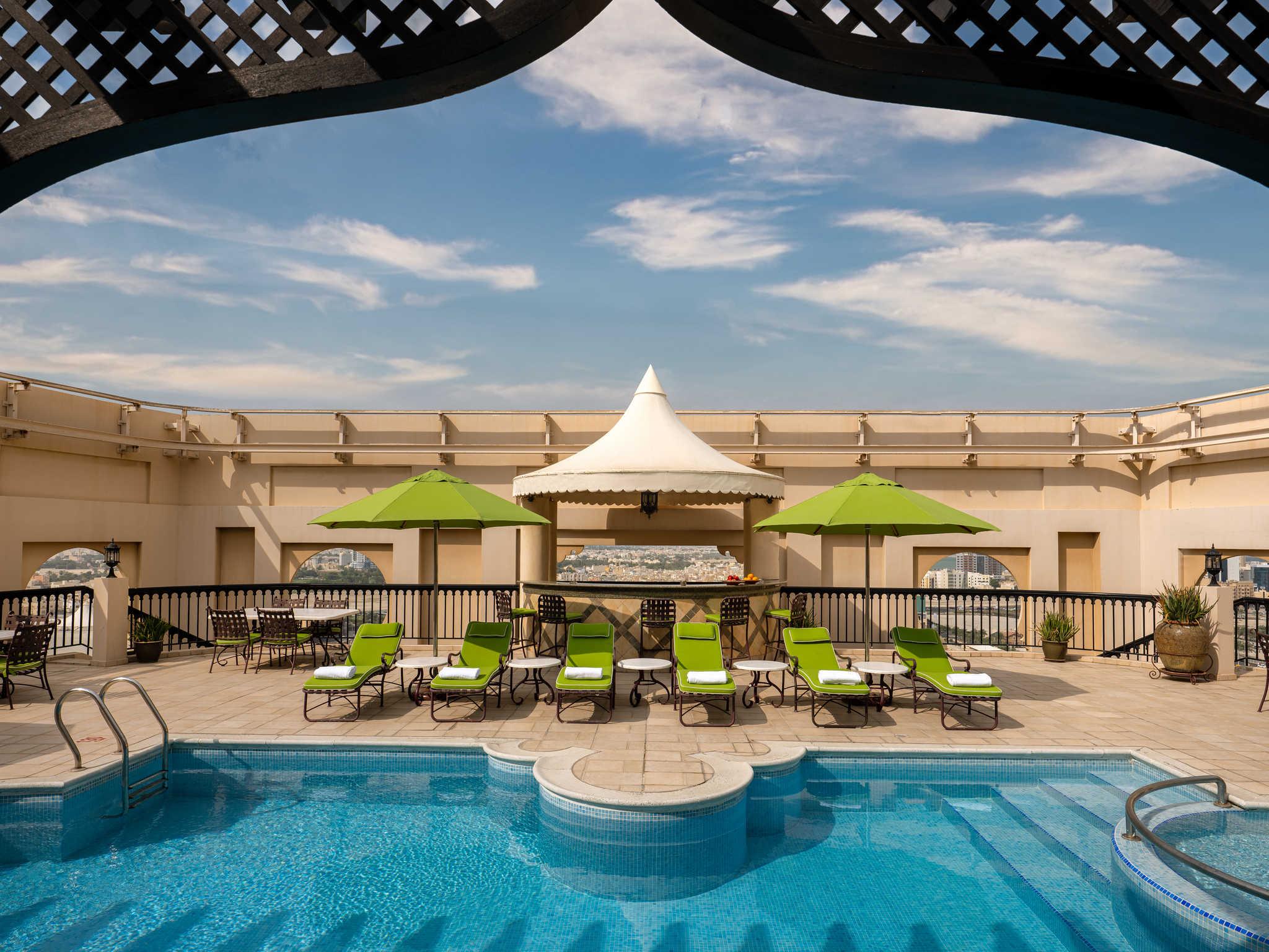 โรงแรม – Mercure Grand Hotel Seef - All Suites