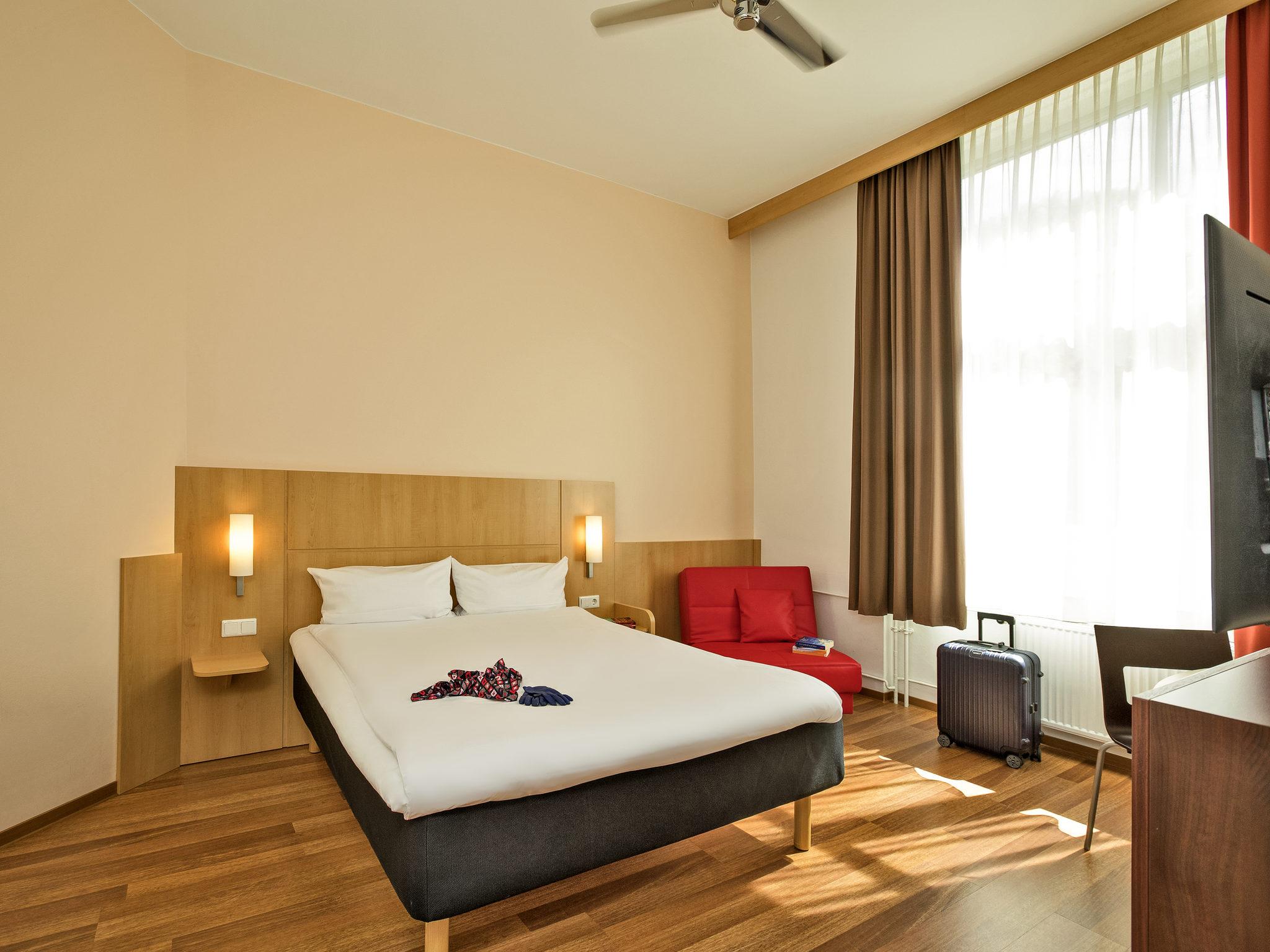 Hotel – ibis Berlin Neukoelln