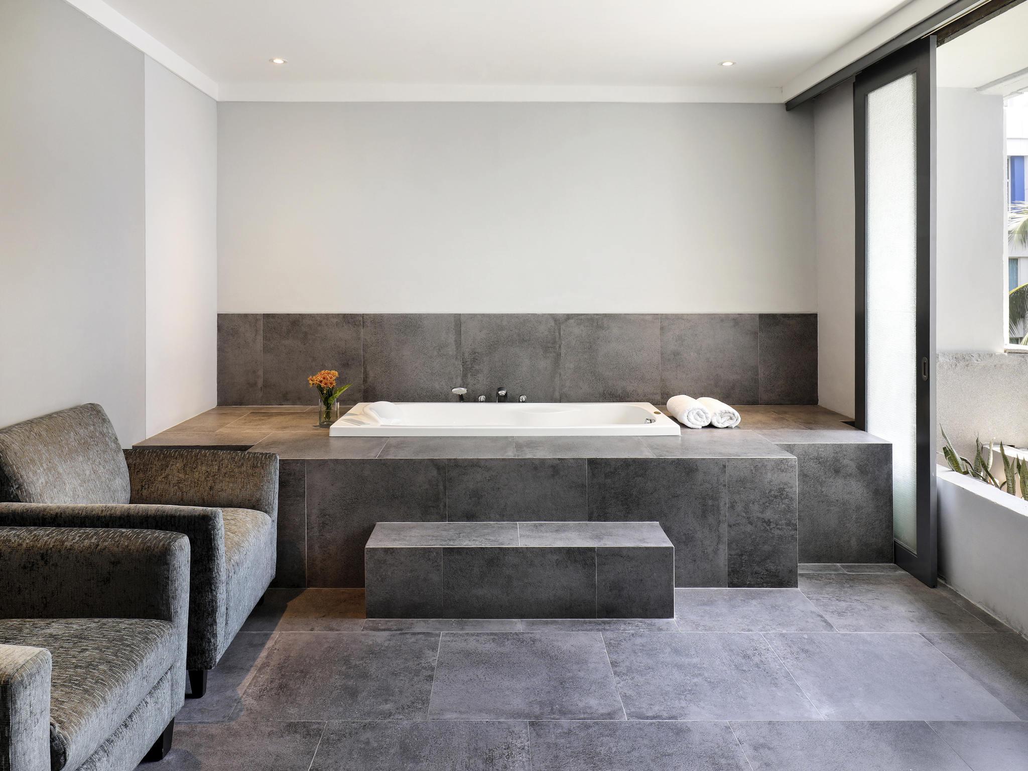 Desain interior kamar hotel bintang 5 desain rumah for Dekor kamar hotel buat ulang tahun