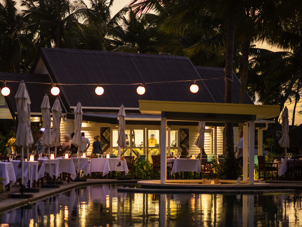 restaurant WAITUI BEACH CLUB