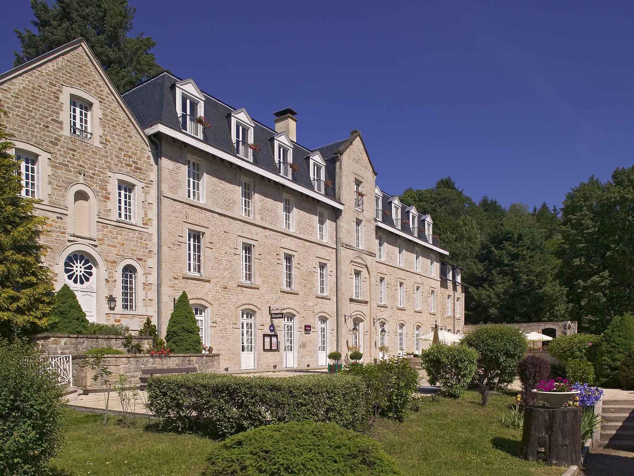 Отель — Hôtel Mercure Corrèze La Séniorie