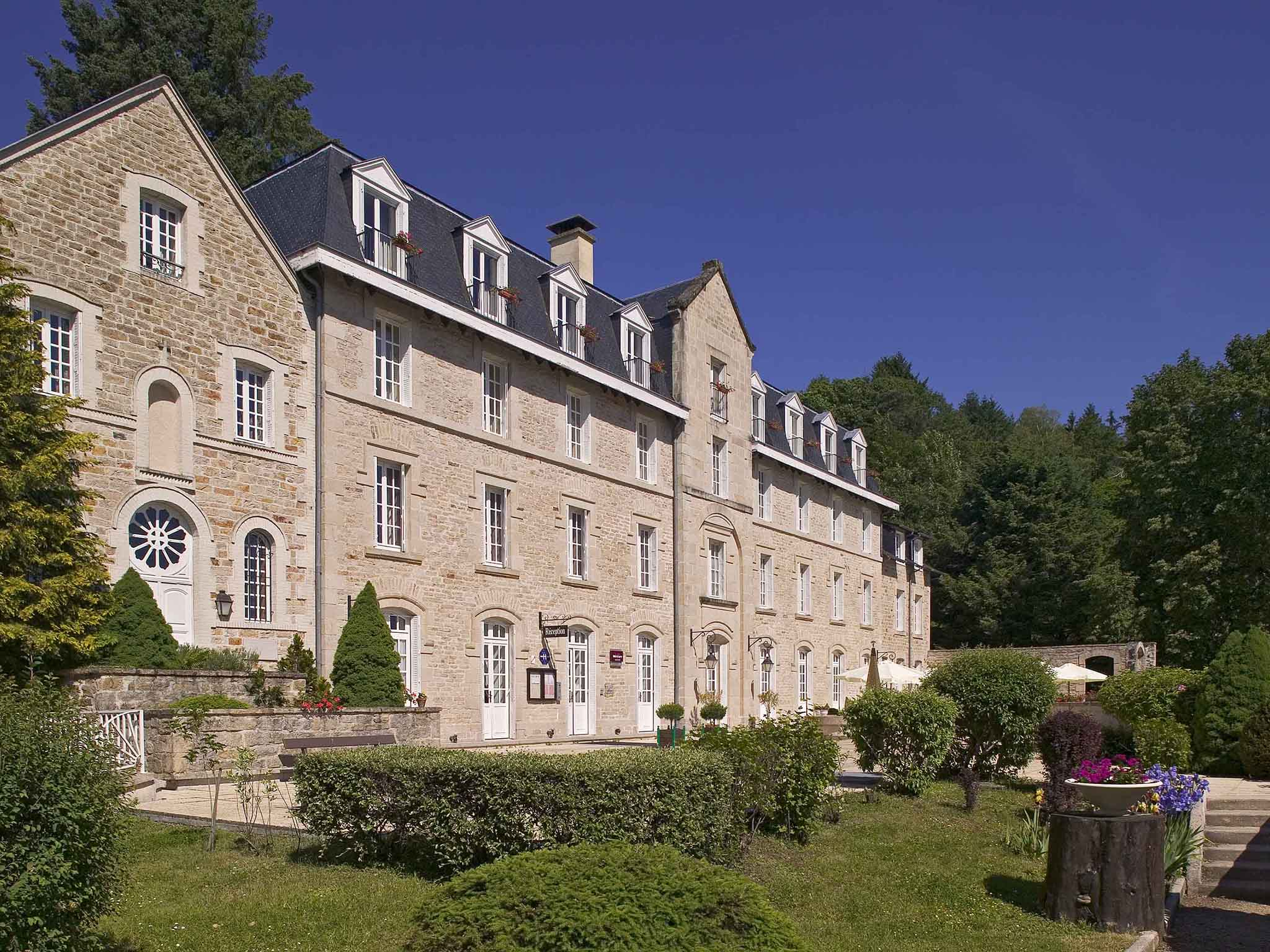 โรงแรม – Hôtel Mercure Corrèze La Séniorie