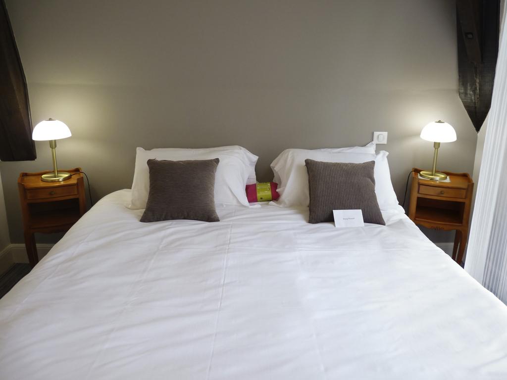 h tel correze h tel mercure corr ze la s niorie. Black Bedroom Furniture Sets. Home Design Ideas