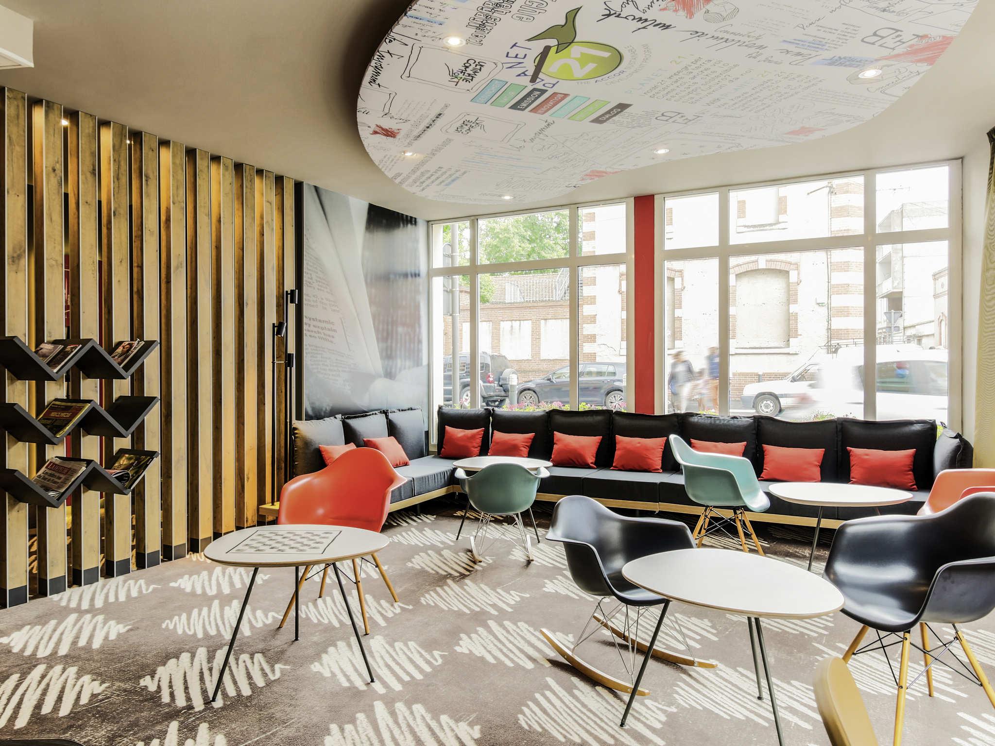h tel albi ibis albi. Black Bedroom Furniture Sets. Home Design Ideas