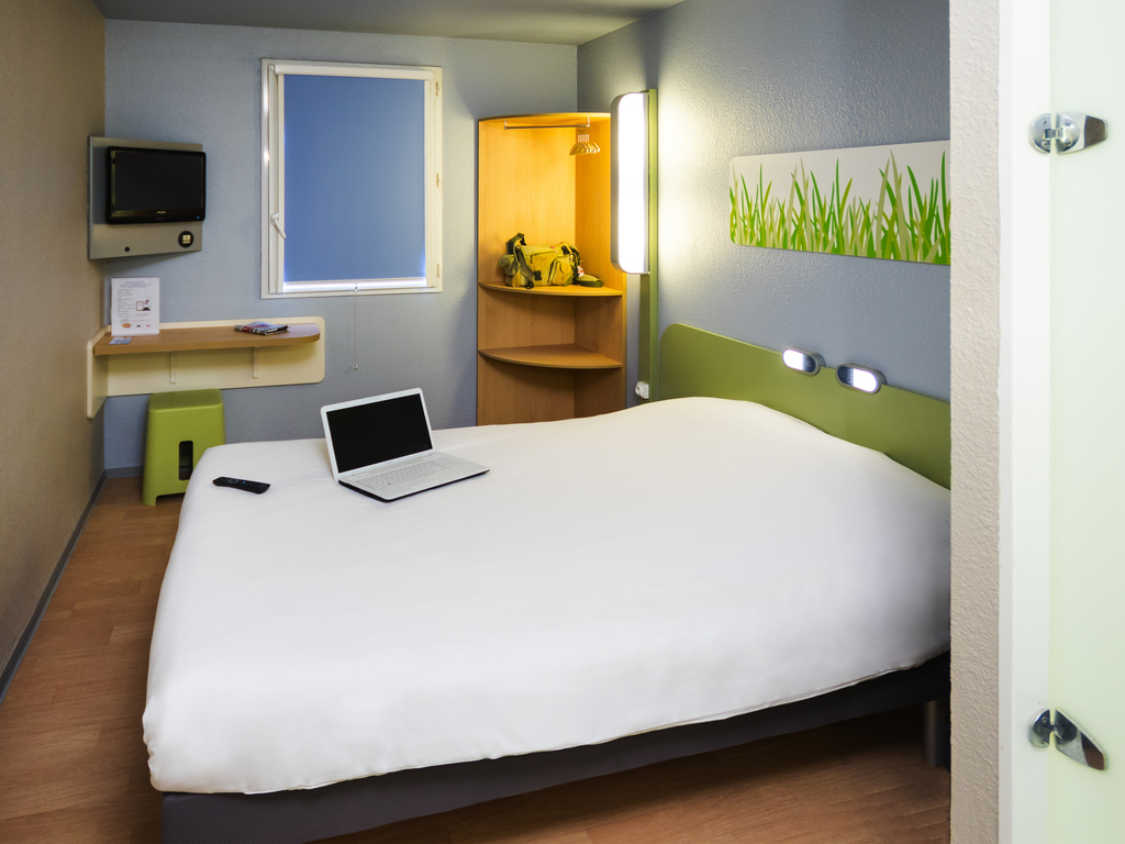 Hotel ibis budget s te centre for Chambre ibis budget