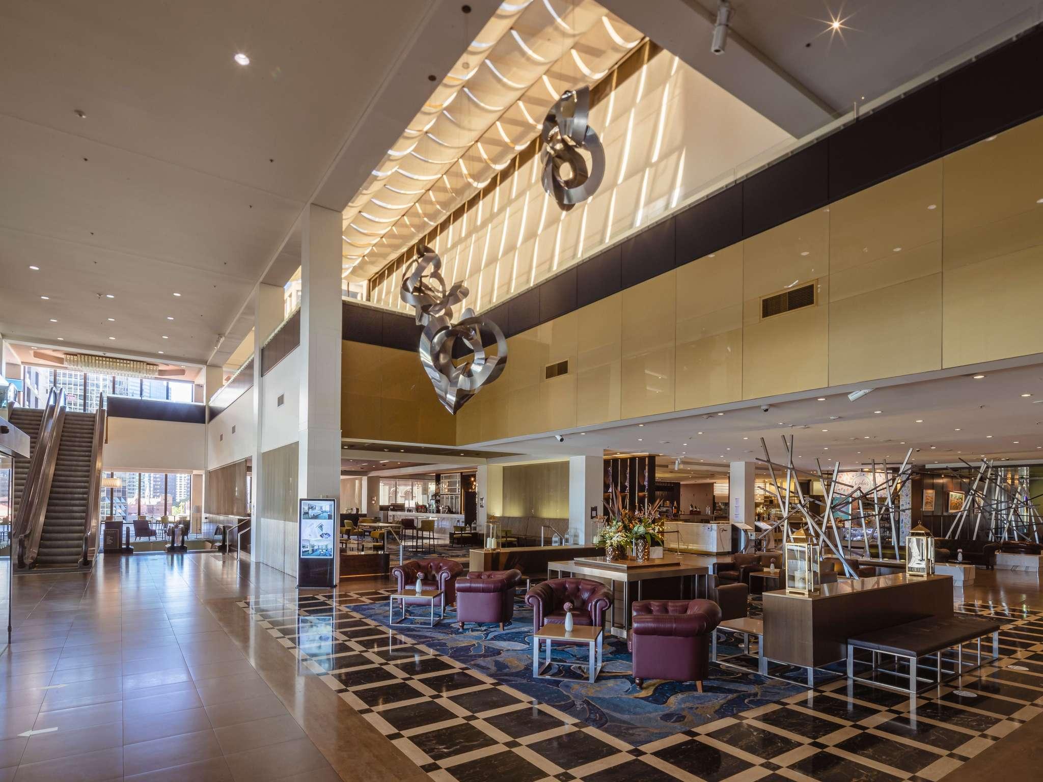 โรงแรม – Sofitel Brisbane Central