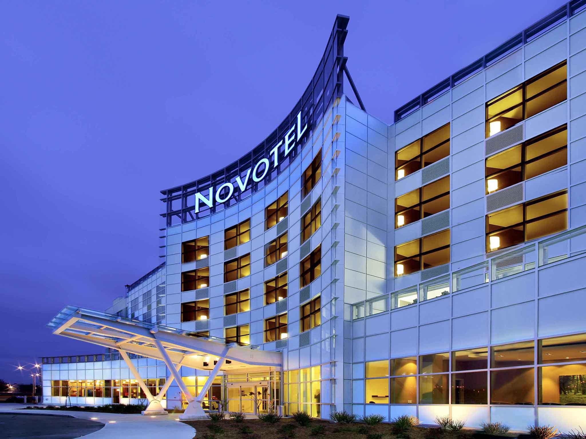 Отель — Novotel Монреаль Аэропорт