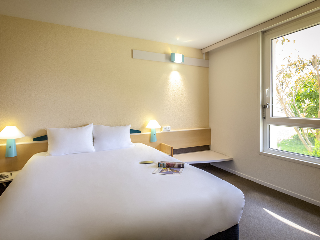 goedkoop hotel rivesaltes ibis perpignan nord. Black Bedroom Furniture Sets. Home Design Ideas
