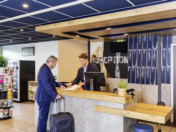 cheap hotel le kremlin bicetre ibis budget paris porte d. Black Bedroom Furniture Sets. Home Design Ideas