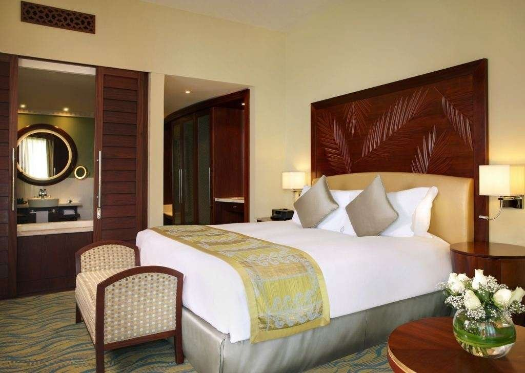 Book a luxury hotel room in dubai sofitel dubai jumeirah for Most expensive hotel room in dubai