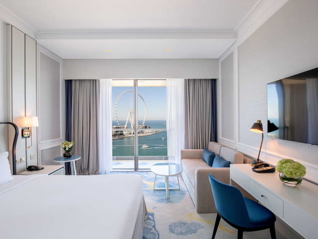 Luxury hotel dubai sofitel dubai jumeirah beach for Chambre a coucher lit king size