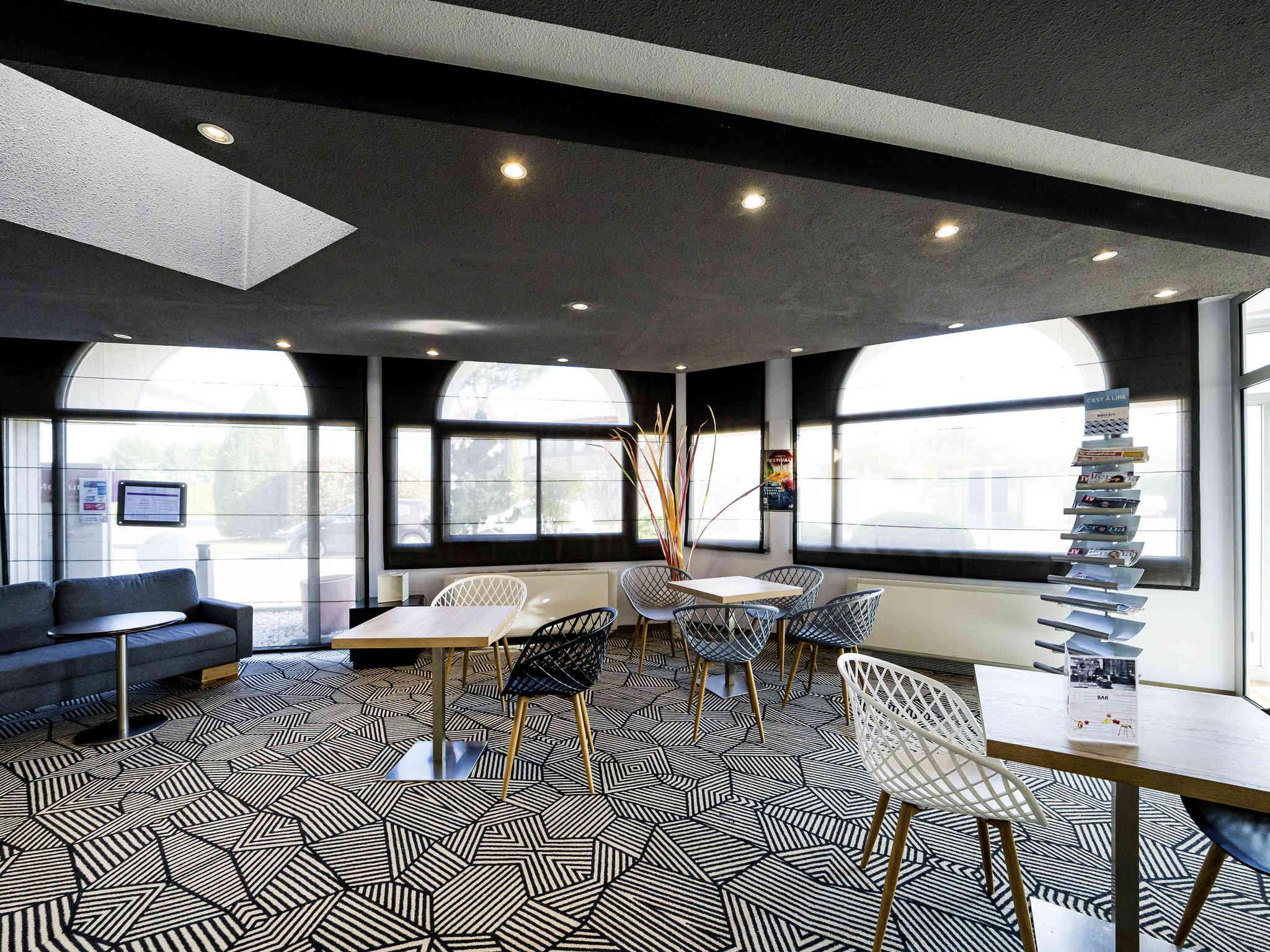 Hotel a chanas albergo mercure vienne sud chanas - Decor discount montelimar ...