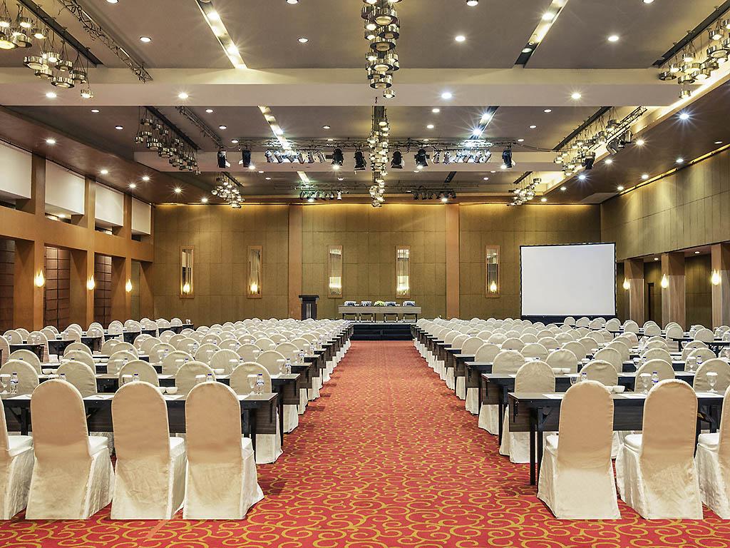 Mercure Surabaya Meeting Room