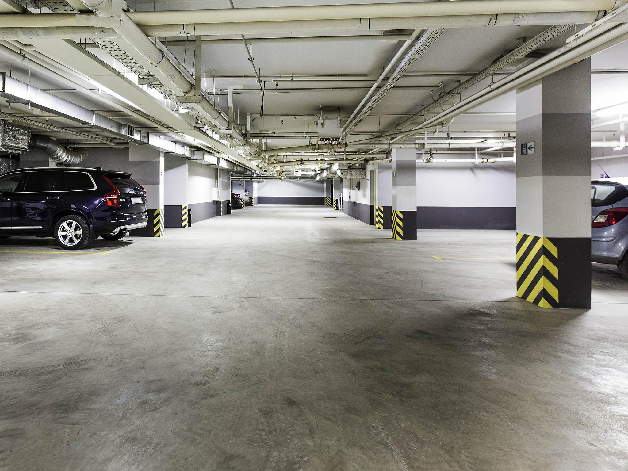 Garagen Gunstig Minimalist : Hotel st petersburg center ibis saint centre