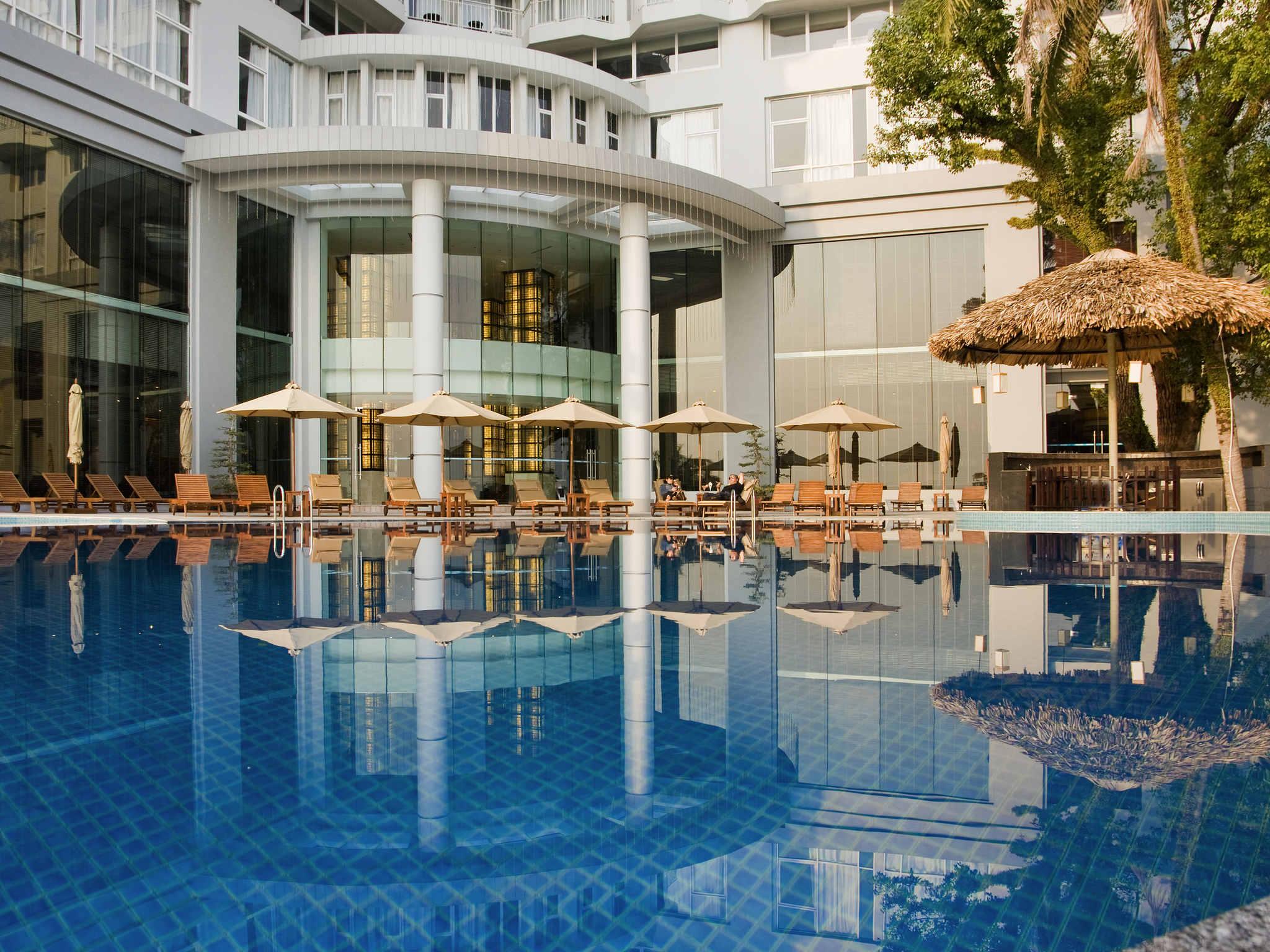 Отель — Novotel Ха Лонг Бэй