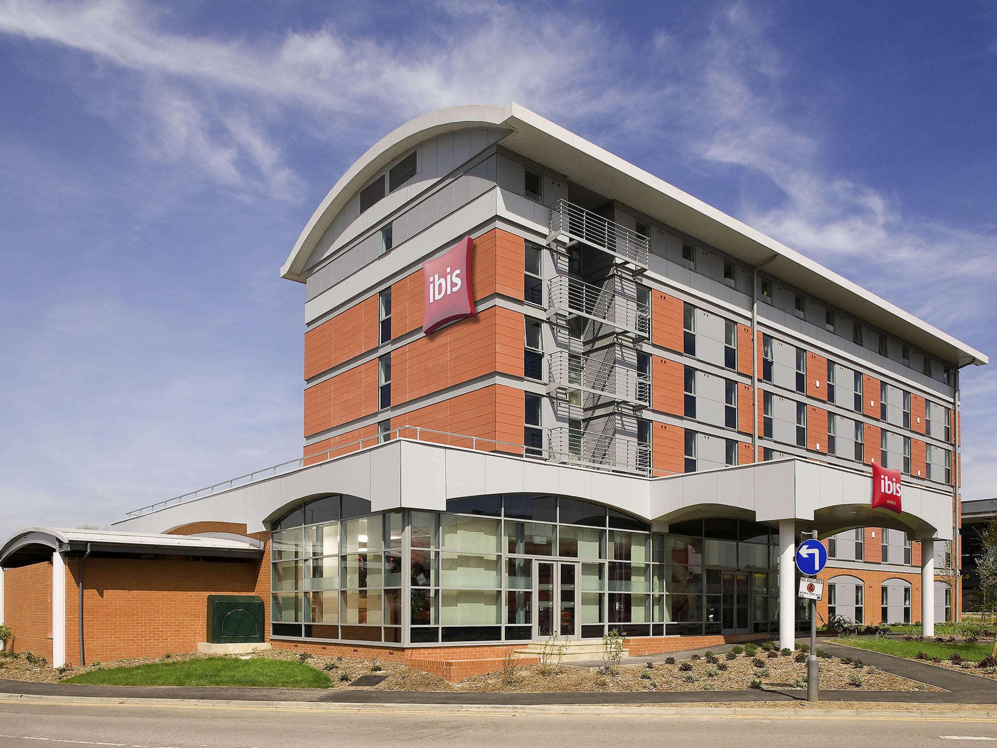 โรงแรม – ไอบิส ลอนดอน เอลสทรี บอแรมวูด