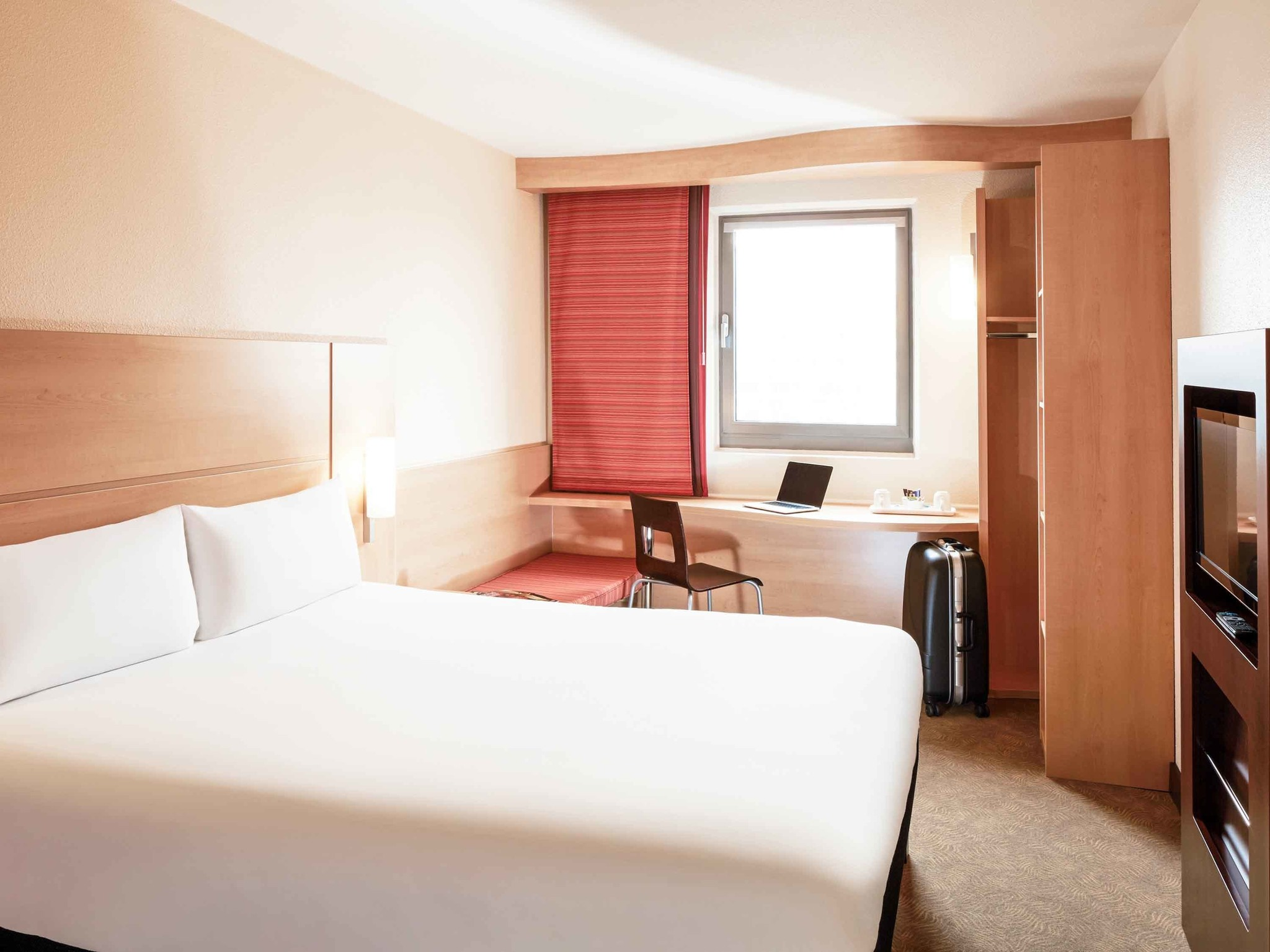 Hotel em londres ibis londres elstree borehamwood for Hotel adagio londres