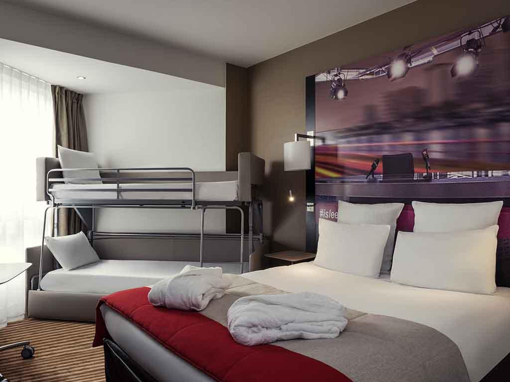 Hotel in boulogne billancourt mercure paris boulogne hotel - Mercure porte de saint cloud ...