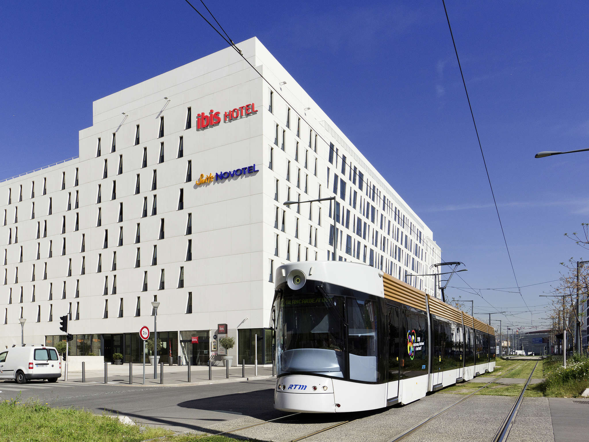 Hotell – ibis Marseille Centre Euromed