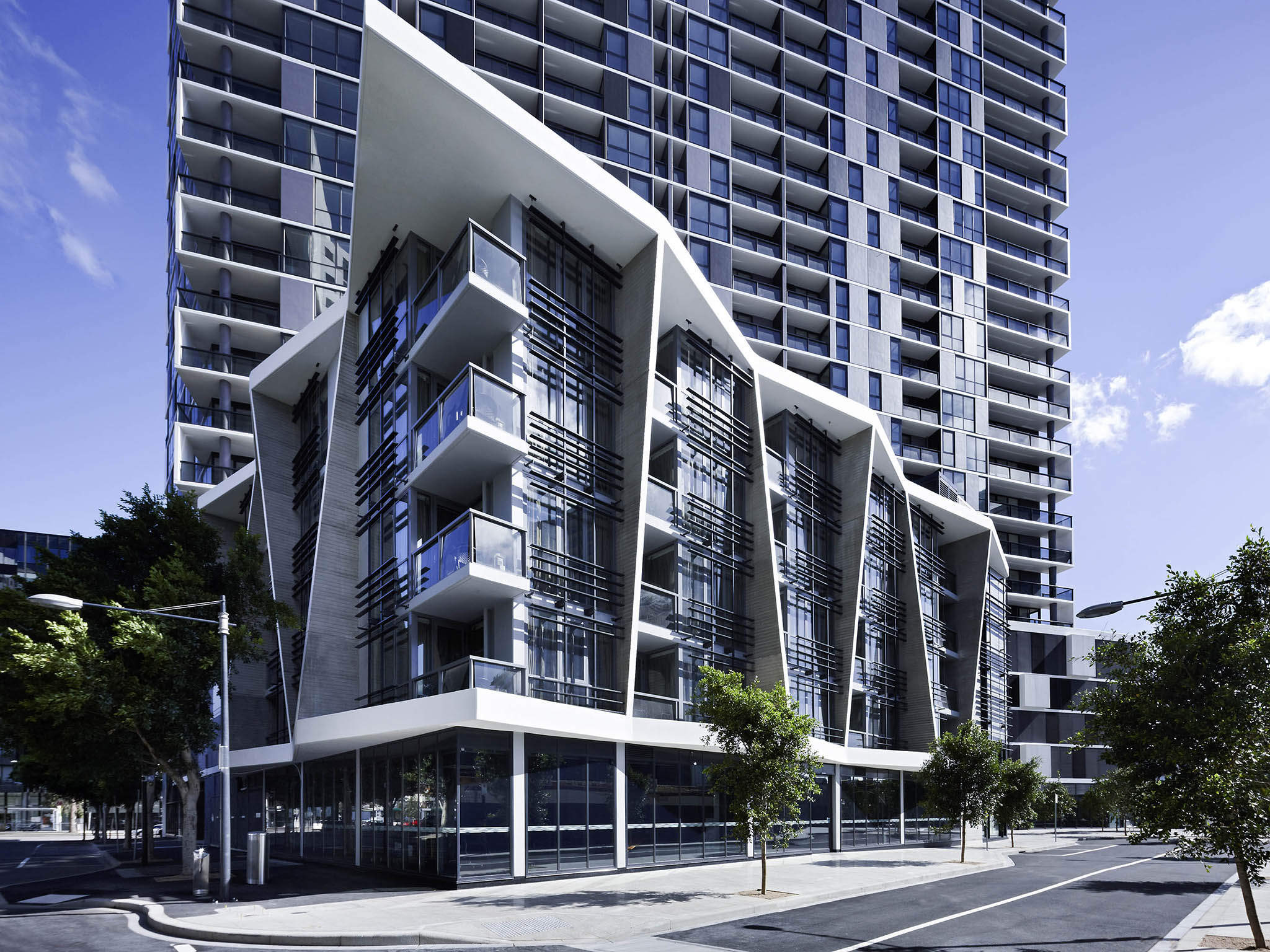 Grand mercure apartments docklands accorhotels for Appart hotel melbourne