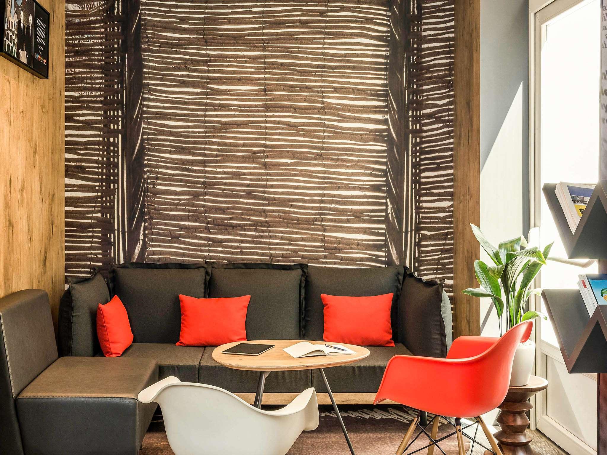 Hotel In Boulogne Billancourt Ibis Paris Boulogne Billancourt