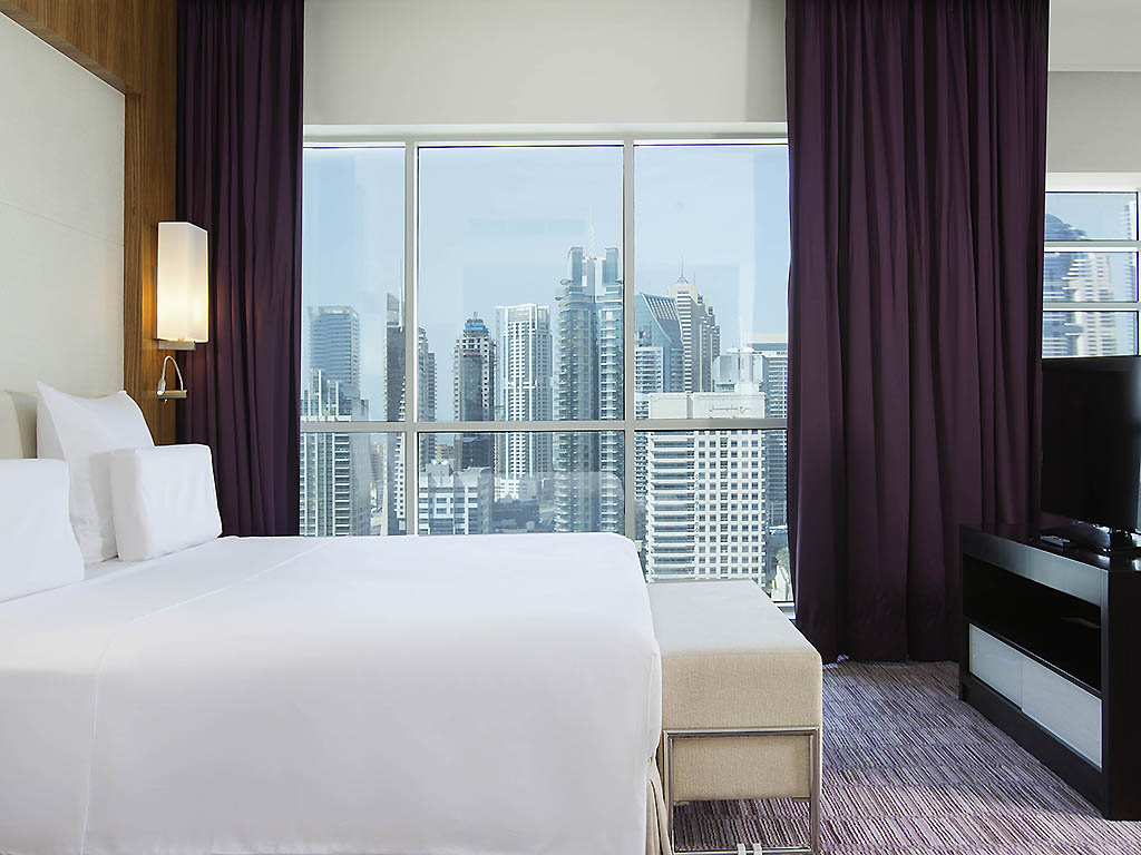 H tel dubai pullman dubai jumeirah lakes towers hotel and residence for Chambre avec lit king size