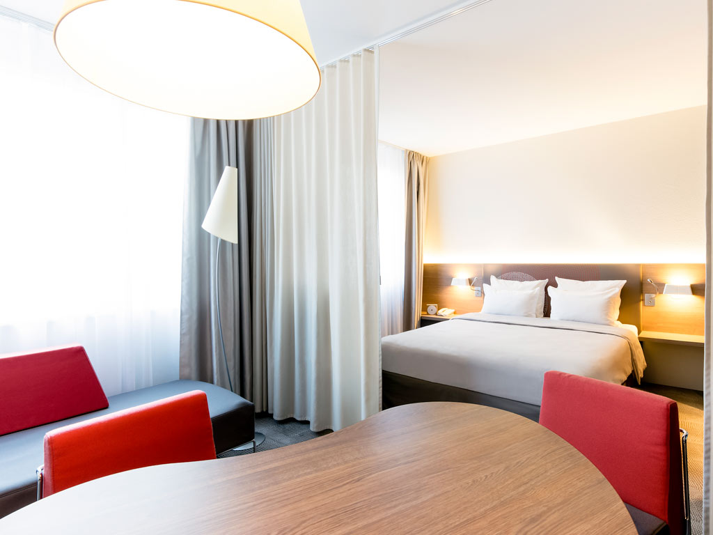 hotel in clermont ferrand novotel suites clermont ferrand polydome. Black Bedroom Furniture Sets. Home Design Ideas