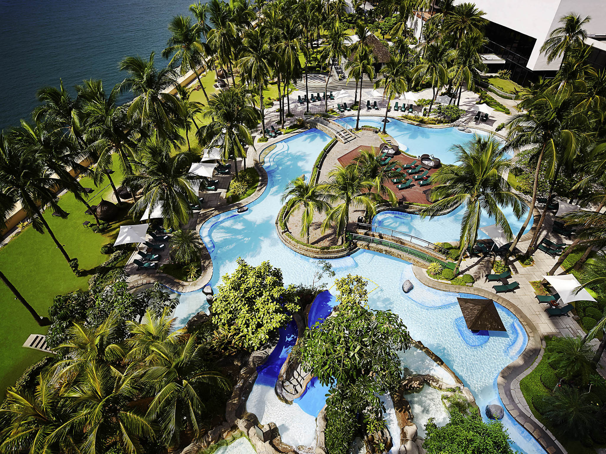 Hotel – Sofitel Philippine Plaza Manila