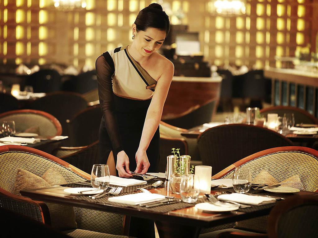 luxury hotel manila sofitel philippine plaza manila