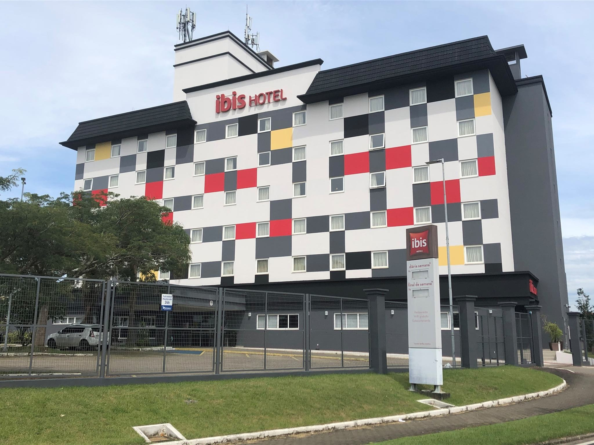 Отель — ibis Criciuma